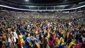 在芝加哥拥挤享受唱歌古杰雷特garba purohit国王,阿图尔 股票录像