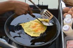 在芭达亚油煎的面包的芒果 库存照片