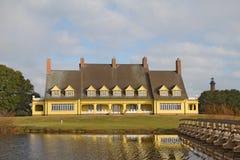 在花冠,北部Carolin附近的Whalehead俱乐部有历史的之家博物馆 库存照片