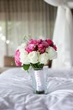 在花瓶的婚礼花 库存照片