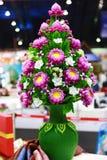 在花瓶的桃红色莲花 免版税库存照片