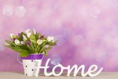 在花瓶的郁金香 免版税库存图片
