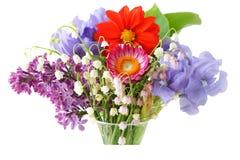 在花瓶的颜色花 免版税库存照片