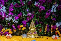 在花的菩萨图象 免版税库存图片