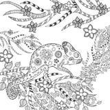 在花的逗人喜爱的变色蜥蜴 免版税库存照片