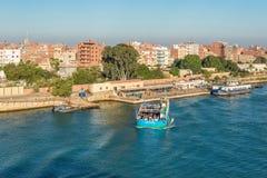 在苏伊士运河的渡轮在埃及 免版税图库摄影