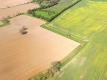 在苏克塞斯乡下的空中图象在春天 库存照片