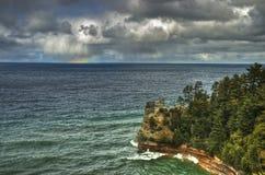 在苏必利尔湖的部份彩虹 库存照片