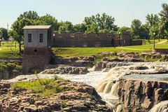在苏族瀑布,南达科他,美国的瀑布 免版税图库摄影