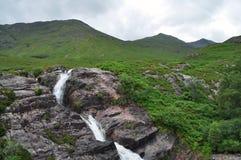 在苏格兰的高地的瀑布 免版税库存照片