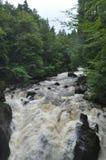 在苏格兰的高地的瀑布 免版税库存图片