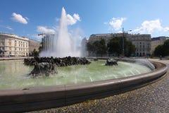 在苏联战争纪念建筑,维也纳的喷泉 库存照片