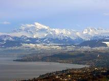 在苏黎世之下的阿尔卑斯 免版税库存照片