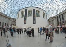 在英国博物馆的巨大现场London.The博物馆的收集的,计算超过7百万个对象,是在最大之中和最全面在世界上 免版税图库摄影