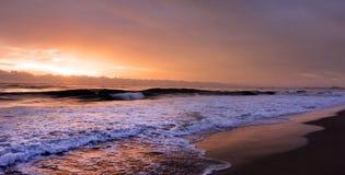 在英属黄金海岸昆士兰澳大利亚的日出 免版税库存照片