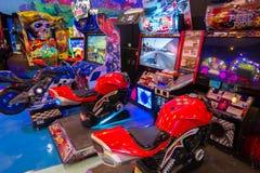 在英雄城市群侨商业中心的,商城的游戏机 曼谷是其中一个世界顶面旅游目的地城市 免版税库存图片