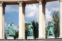 在英雄正方形的柱廊片段  布达佩斯,匈牙利 库存图片
