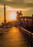 在英雄正方形,布达佩斯的日落 免版税库存图片