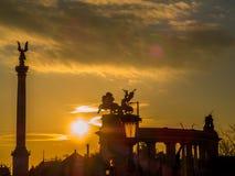 在英雄正方形,布达佩斯的日落 库存图片