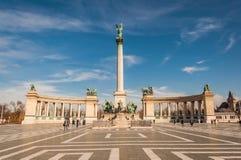 在英雄的正方形或Hosok Tere的千年纪念碑是其中一个主要正方形在布达佩斯 免版税库存图片