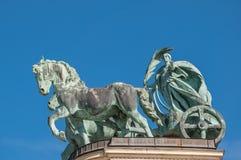 在英雄`正方形或Hosok Tere的千年纪念碑是其中一个主要正方形在布达佩斯 库存图片