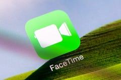 在苹果计算机iPad空气的Facetime应用 免版税库存图片