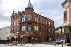 在范・布伦阿肯色的有历史的银行大楼 库存图片