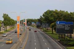 在范在JFK国际机场附近的Wyck Expressway的纽约出租汽车在纽约 库存图片