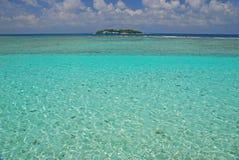 在茫茫荒野中海岛 库存照片