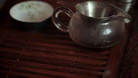 在茶几上的中国茶道,关闭,定了调子录影 影视素材