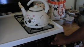 在茶罐的开水 影视素材