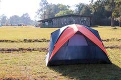 在草坪的帐篷 库存照片