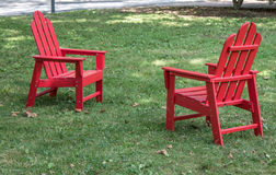 在草坪的椅子 库存图片