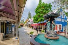 在草莓镇的喷泉 免版税库存照片