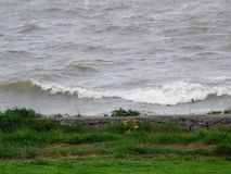 在荷兰国内的浪潮起伏的波浪看见 库存图片