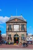 在荷兰扁圆形干酪的Waag,荷兰 免版税库存照片