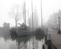 在薄雾的游艇在荷兰 库存图片