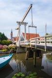 在荷兰语村庄伊顿干酪的古老桥梁 免版税图库摄影