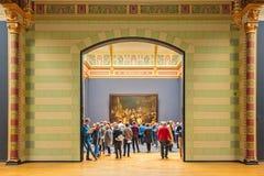 在荷兰Rijksmuseum大厅的看法以守夜油痛苦 免版税库存图片