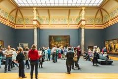 在荷兰Rijksmuseum大厅的看法以守夜油痛苦 库存图片