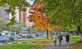在莫斯科街的秋天 免版税库存图片