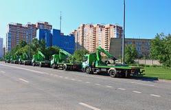 在莫斯科街道上的汽车拖曳  库存照片