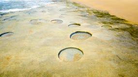 在莫桑比克海岸线的地质结构 库存图片