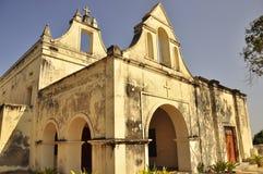 在莫桑比克的海岛上的葡萄牙大教堂 库存照片