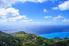 在莱夫卡斯州海岛的美好的海岸线在希腊 顶视图, gener 库存照片