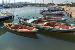 在莱夫卡斯州镇,爱奥尼亚人海岛,希腊乘快艇港口 库存照片