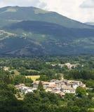 在莱奥内萨(意大利)附近的村庄 免版税图库摄影