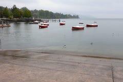 在莱芒湖的雨天 洛桑,瑞士 免版税图库摄影