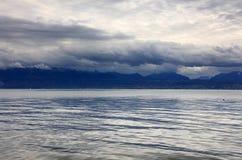 在莱芒湖,瑞士,欧洲的日落光 免版税库存图片