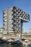 在莱茵河散步的现代建筑学 库存照片